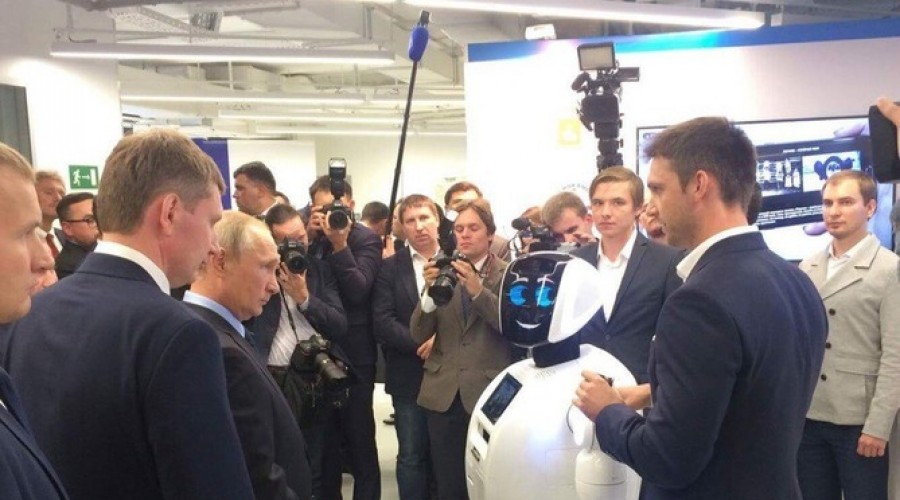 Путин поручил IT-компаниям переходить наотечественное ПО— очень  множество  рисков