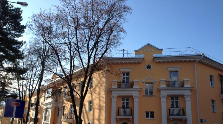 Фасады одноэтажных домов с декоративной штукатуркой