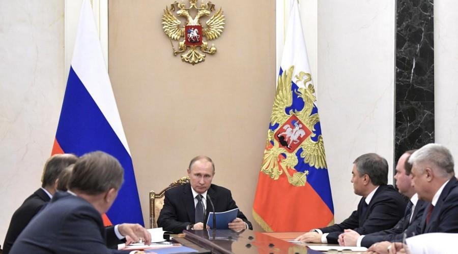 Путин обсудил с неизменными  членами Совбеза ситуацию вСирии и вУкраинском государстве